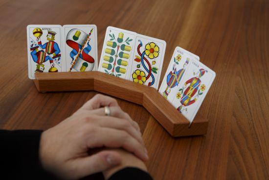 Tisch-Spielkartenhalter (Holz)